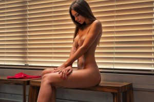 Nouna mature erotic massage Great Yarmouth, UK