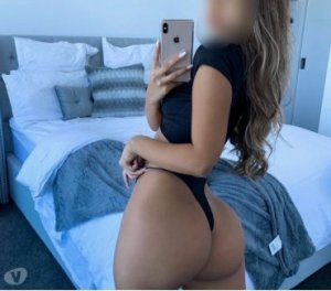 Imanie hairy escorts in Niles